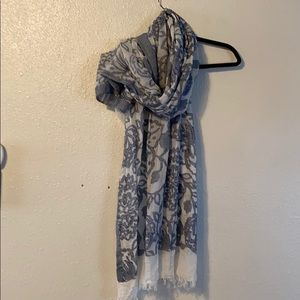 Long shawl/scarf